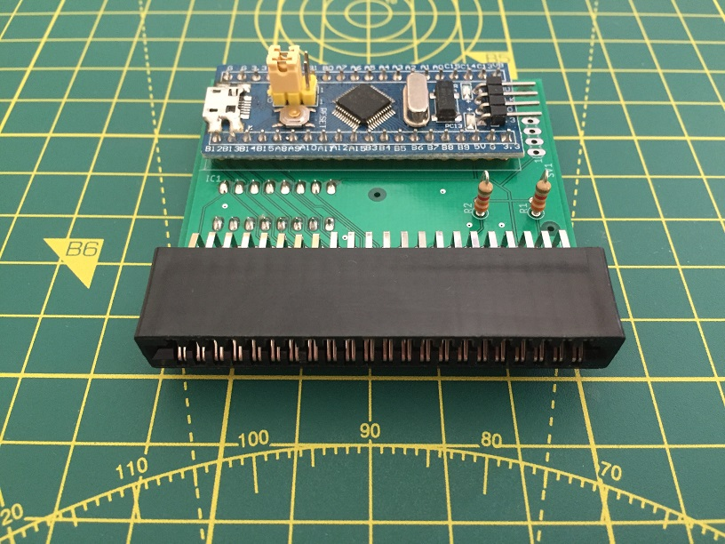 C64 Cartridge Dumper: build with right-angle connection by Luigi Di Fraia